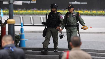 ข้อสังเกตทางกฎหมาย ต่อการจับกุมควบคุมตัว 2 ผู้ต้องสงสัยลอบวางระเบิดในเขตกรุงเทพมหานคร