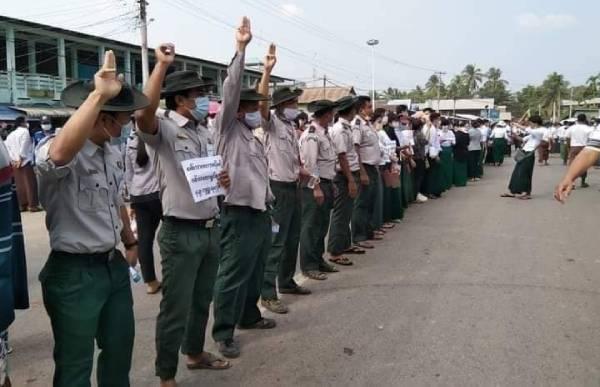 โจทย์การต่อต้านรัฐประหารพม่าต้องไม่ใช่เพื่อซูจี แต่ต้องเพื่อมวลมนุษยธรรมทุกคนทุกกลุ่ม และกระบวนการประชาธิปไตยคือทางออกที่ดีที่สุด