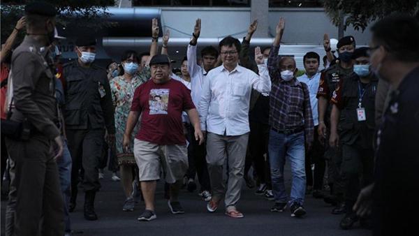 แอมเนสตี้แถลงหลัง 8 นักกิจกรรมถูกจับและดำเนินคดี ท่ามกลางการชุมนุมเรียกร้องประชาธิปไตย